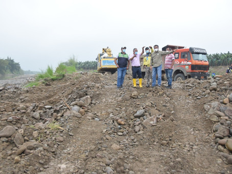 Prefectura interviene zona afectada por explotación de material pétreo en El Donque