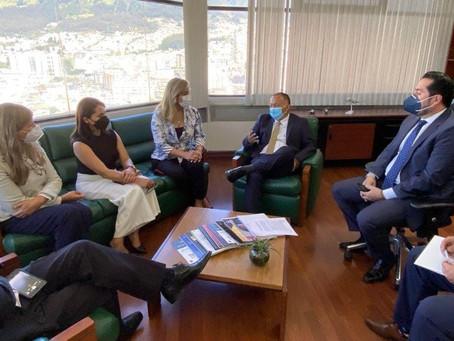 Prefecto se reunió con representantes de LATAM para reactivar Aeropuertode Santa Rosa