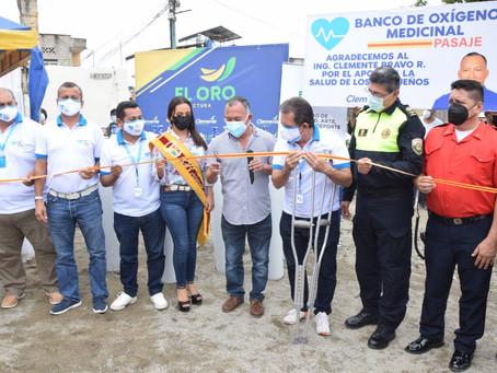 Prefecto Clemente Bravo donó 10 tanques de oxígeno