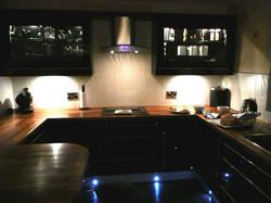 black-laminate-kitchen-flooring-ideas-900x675
