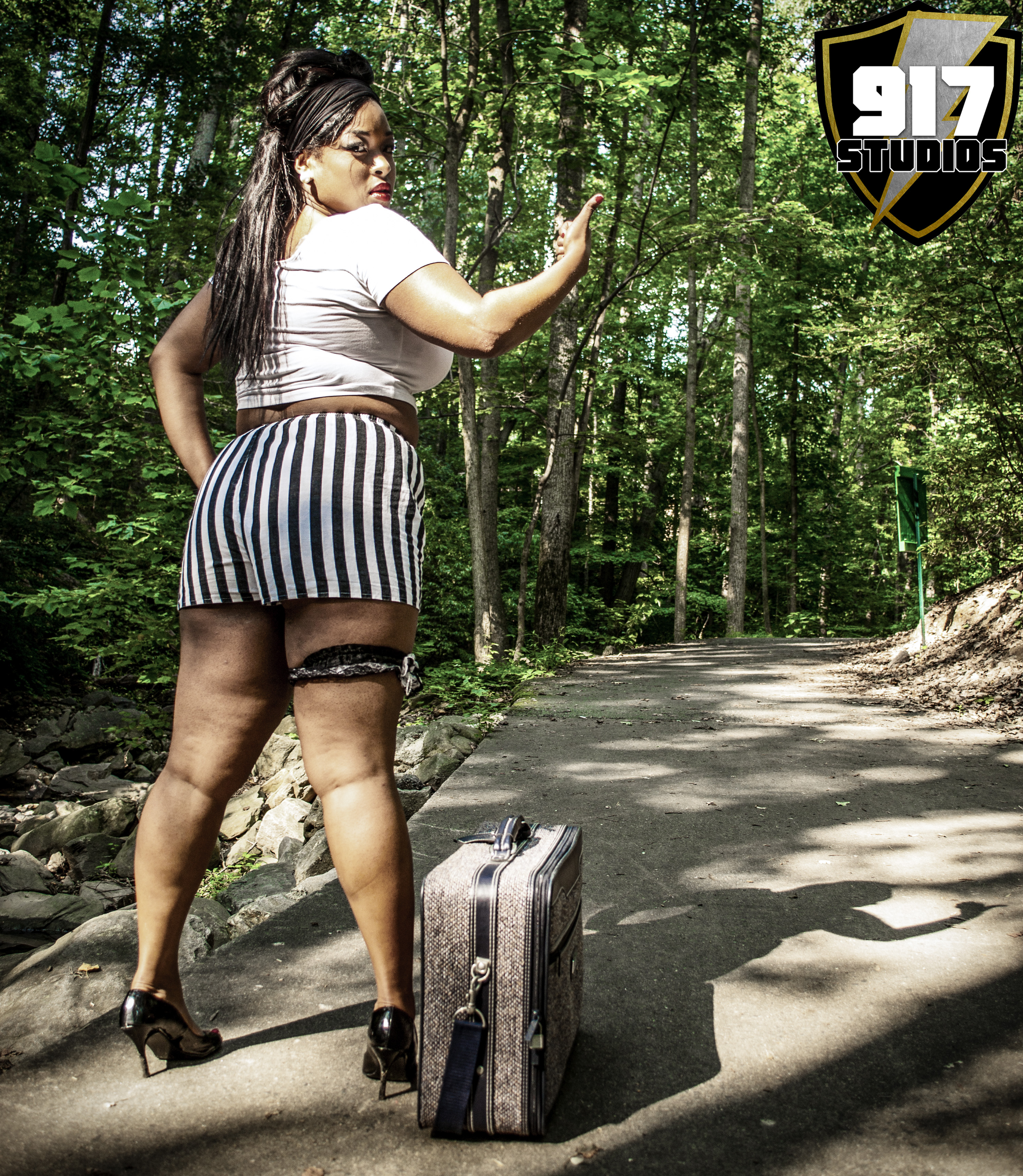 Keena Hitchhiking