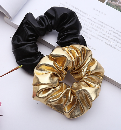HISUM gold and black scrunchies