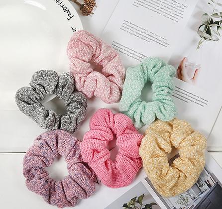 HISUM knitted scrunchies