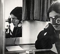 Ilse_Bing_self_portrait_1931.jpg