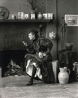 Frances_Benjamin_Johnston,_Self-Portrait