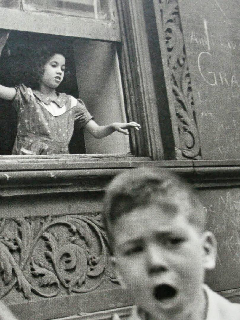 Helen Levitt 1.jpg