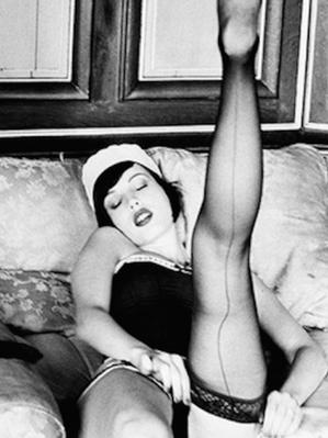 Maid-Stockings-by-Ellen-von-Unwerth-2-53