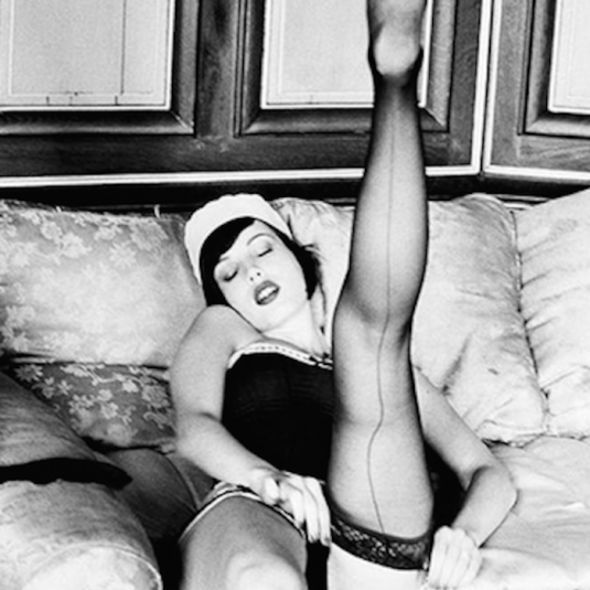 Maid-Stockings-by-Ellen-von-Unwerth-2-53
