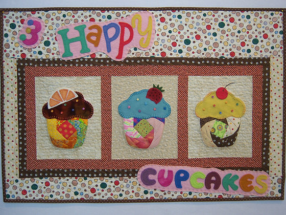 Happy Cupcakes (Pattern)
