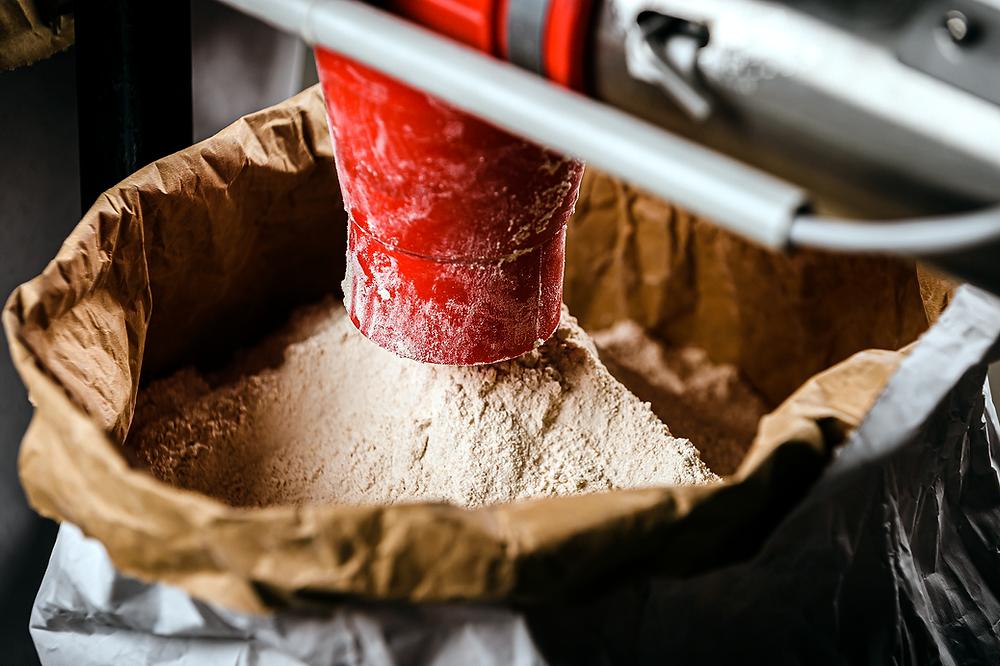 stockage de la farine de meules Astréïa, moulin à farine de meules