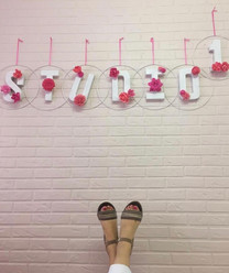 studio1_feet