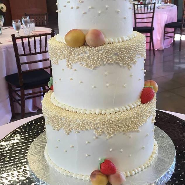 Magnolia Hall, Almond wedding cake with marzipan