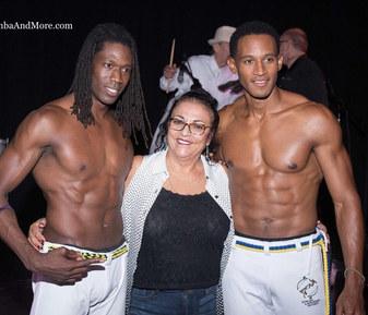 Capoeira. SambaAndMore.com