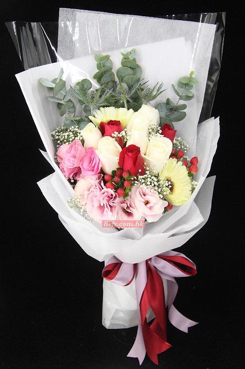 RP02-玫瑰8支+桔梗+尤加利