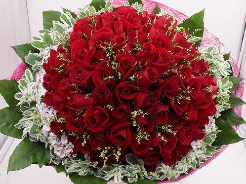 R9913-99支紅玫瑰配襯花