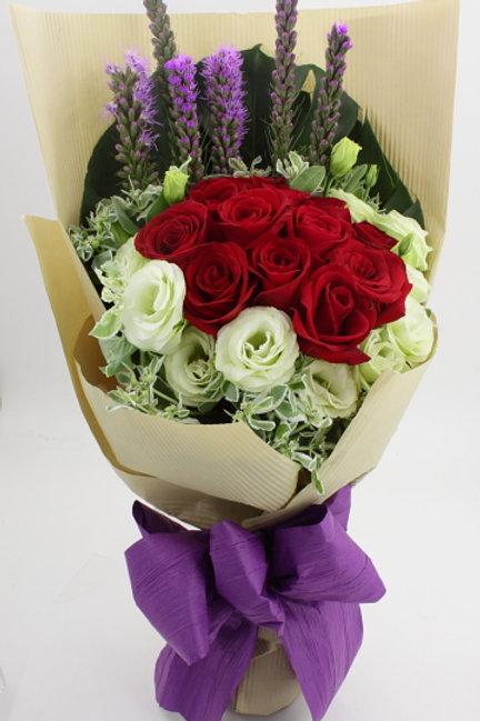 RR18-11枝-紅玫瑰配襯花