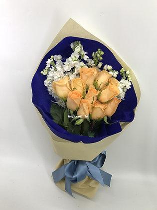 R95-玫瑰+配襯花
