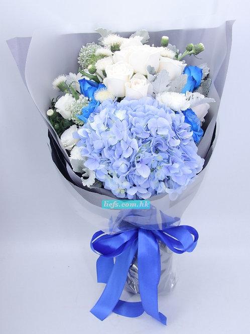 BL04-藍玫瑰6支+白玫瑰6支+鏽球+襯花