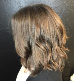 When you schedule your new fresh cut right before the holidays! _#Hairby _jennessavk _#hair #hairsty