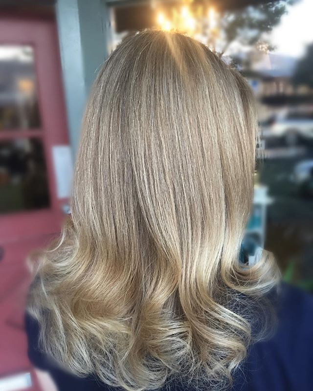 Blondielocks 💛__Lovin these new blonde highlights on this pretty lady!  It was her first hair color