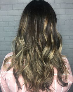 A little #backcomb #highlighting, #babylights and #foilayage to get this pretty color