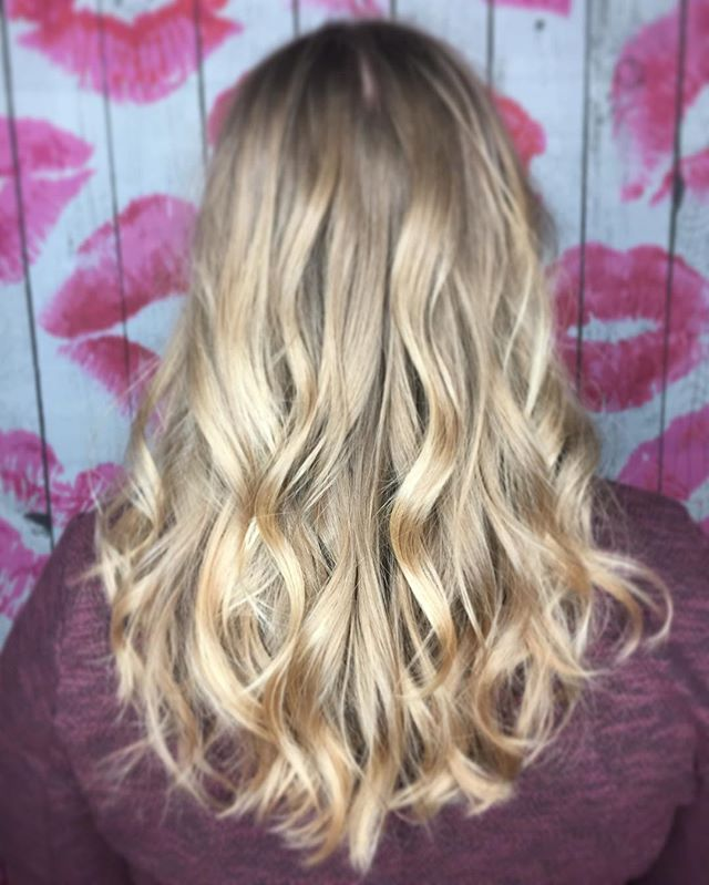 Makin' Waves 🌊 #blondielocks