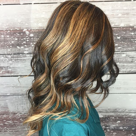 Some fun #curls for this sweet gal for her holiday party 🎉 _#hair #hairstyle #instahair #socialenvy #hairstyles #haircolour #haircolor #hair