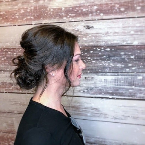 Bridal Trial on this beauty by Emma 💕__For more check out _hairbyemdub Swipe ➡️ to see more from one of today's #Bridal trials.jpg