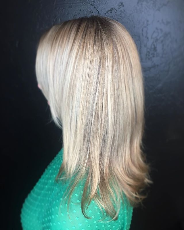 Some blonde highlights please!_! ✨✨✨✨✨_(408) 395-8120__#hair #hairstyle #instahair #socialenvy #hair