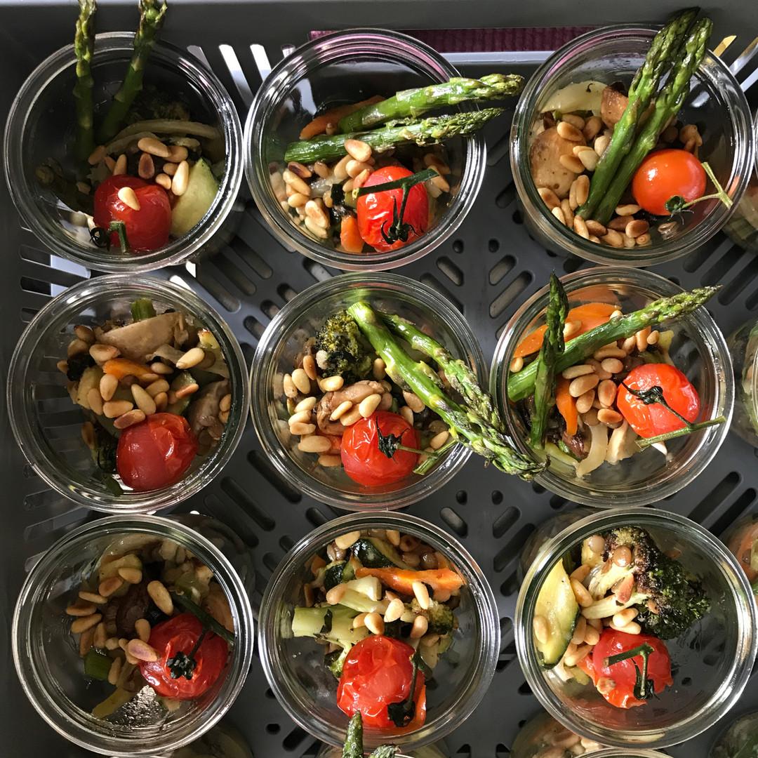 Grillgemüse der Saison mit Pinienkernennienk