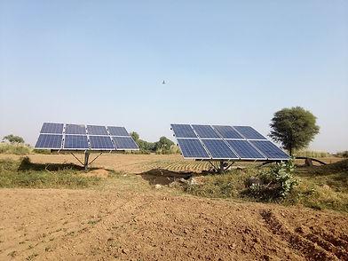 solar-panels-1826883_1920.jpg