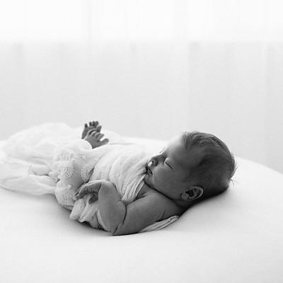 Newborn Session - Millie...