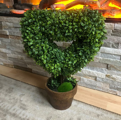 Large Heart Topiary