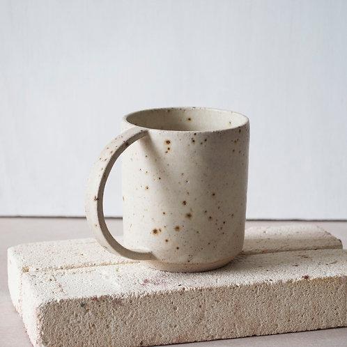 Dee Cup / Chalk