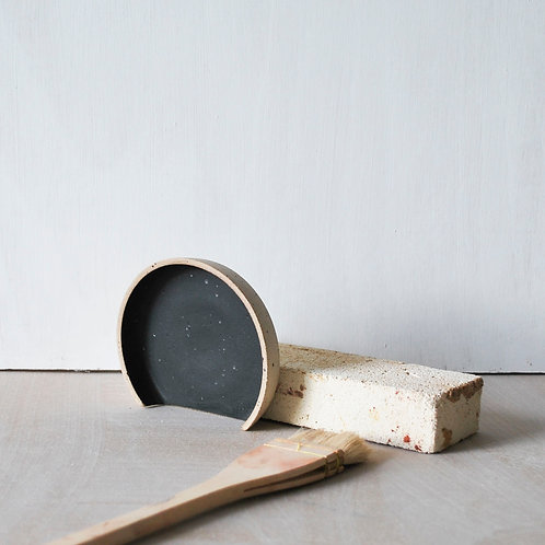 Spoon Rest / Charcoal + Raw