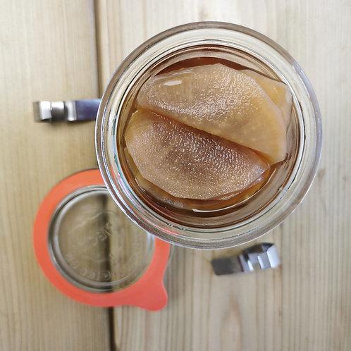 Radis daikon en fines tranches , pickels asiatique.