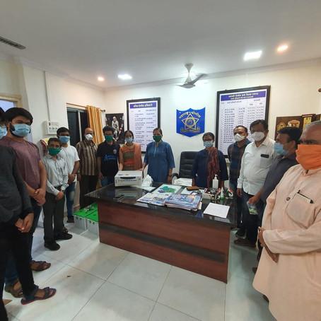 रोटरी क्लब ऑफ पाताळगंगा च्या वर्धापन दिनानिमित्त रसायनी पोलीस स्टेशनला अखंडित वीजपुरवठा