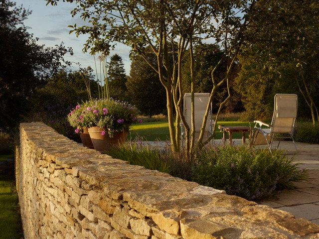 Cotswold House patio