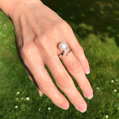 Pearl Tension Ring - Fresh Water AAA Grade Pearl set in a Sterling Silver Tensio
