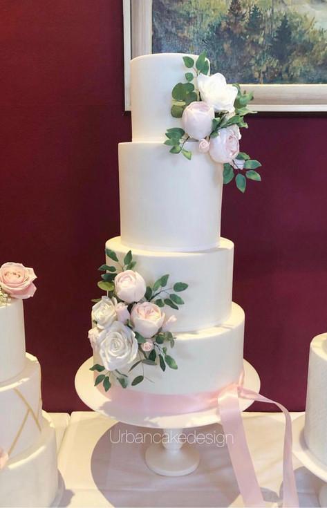 Hochzeitstorte ein Traum in Weiß und Rosa