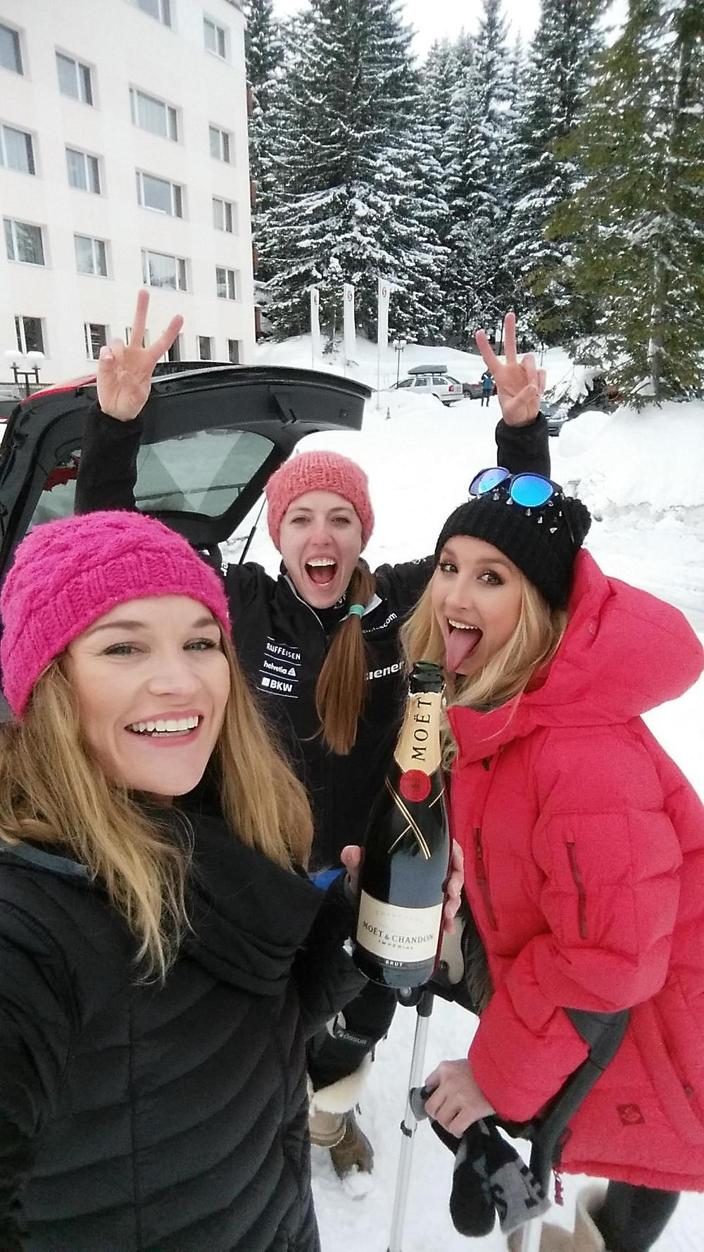 Enjoying the company of Sanna and Katrin from Switzerland