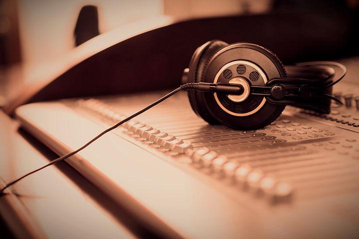 Headphones_edited_edited_edited.jpg