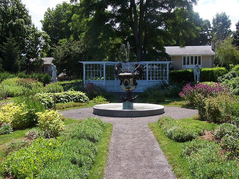 thumb_Fulford Place Formal Italianate Garden_1024