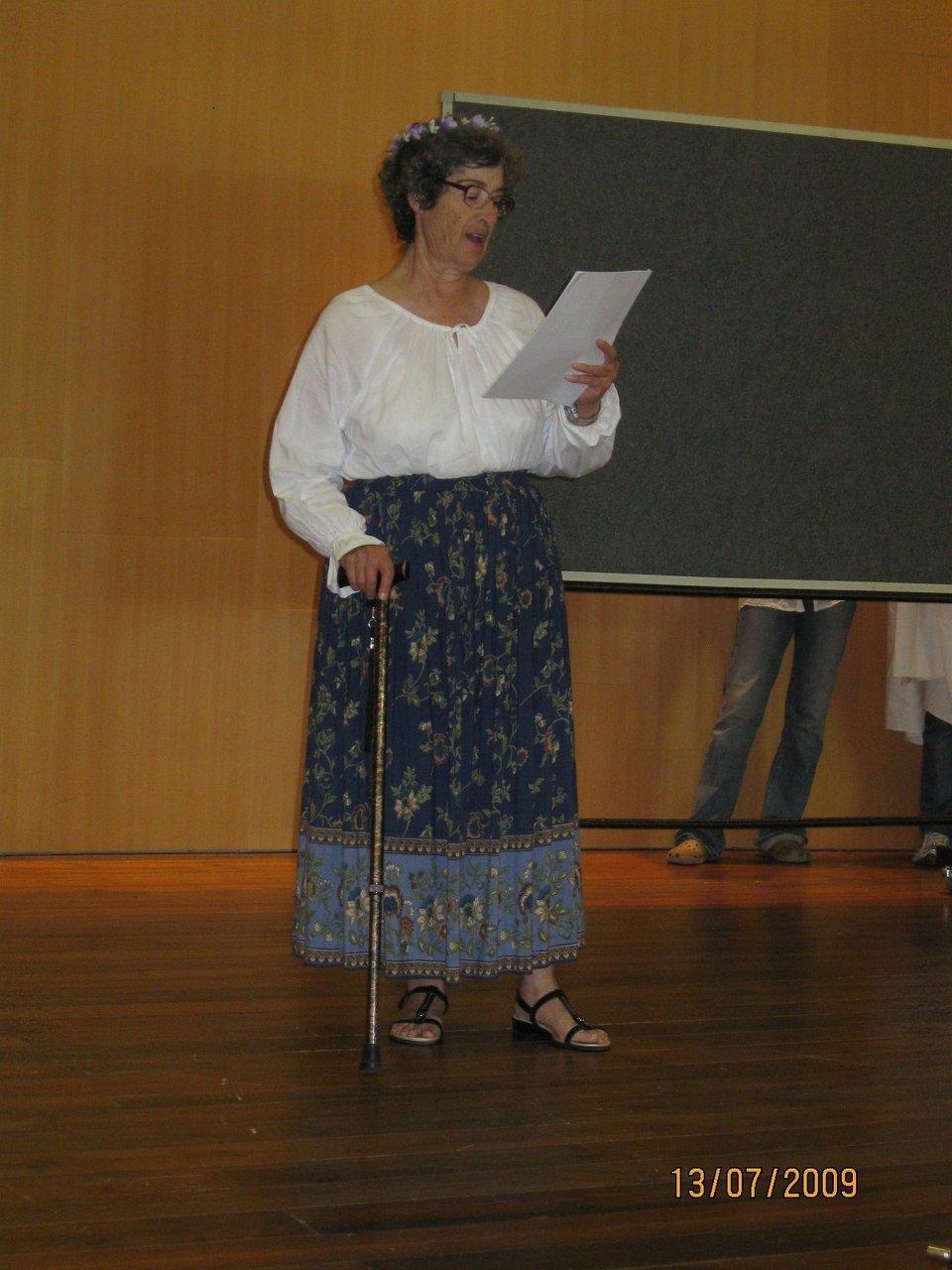 2.Poetess.jpg