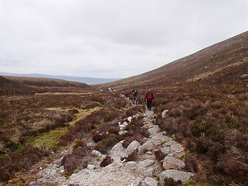 hiking in cairngorms