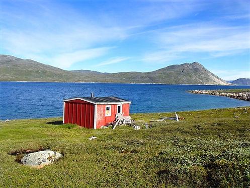 greenlandic cabin