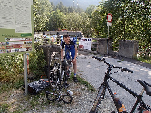 flat tire during cycling vacation