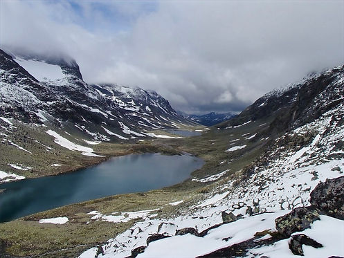 mountain lakes in norway