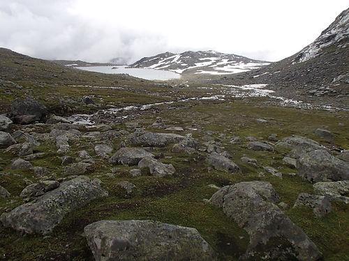 solo hiking in jotunheimen