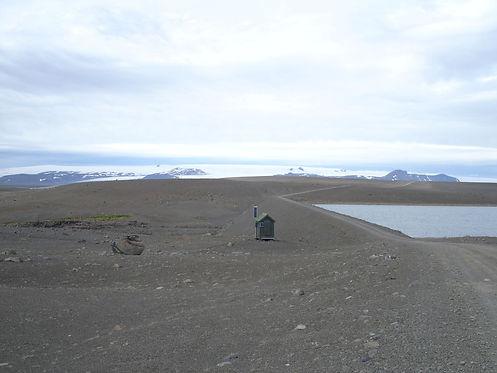 walking in iceland
